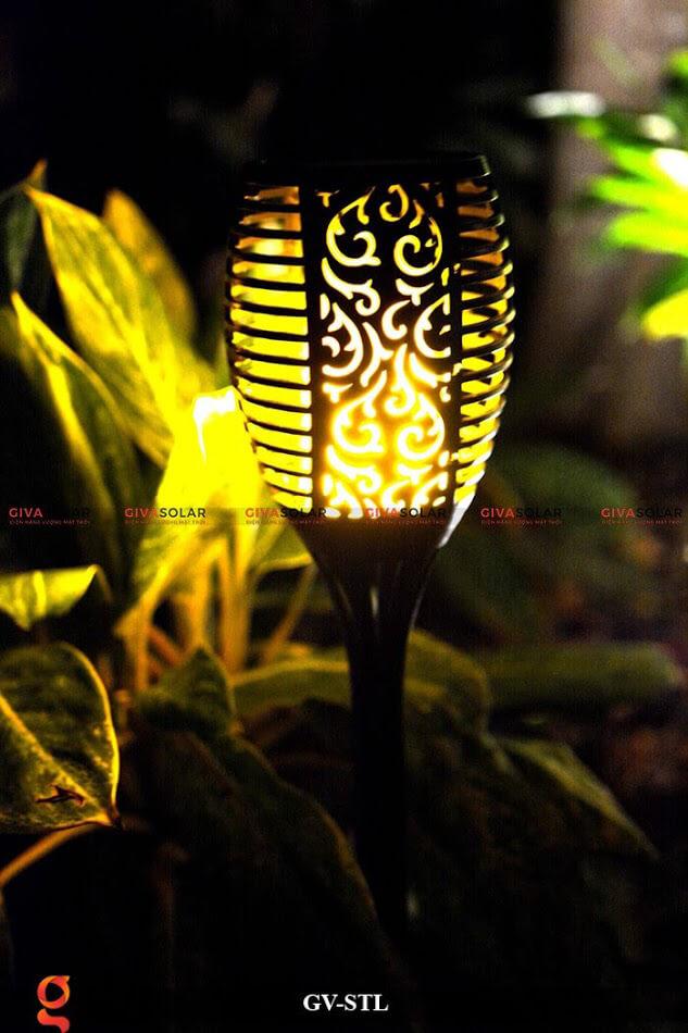 Đèn ngọn lửa trang trí năng lượng mặt trời GV-STL 3