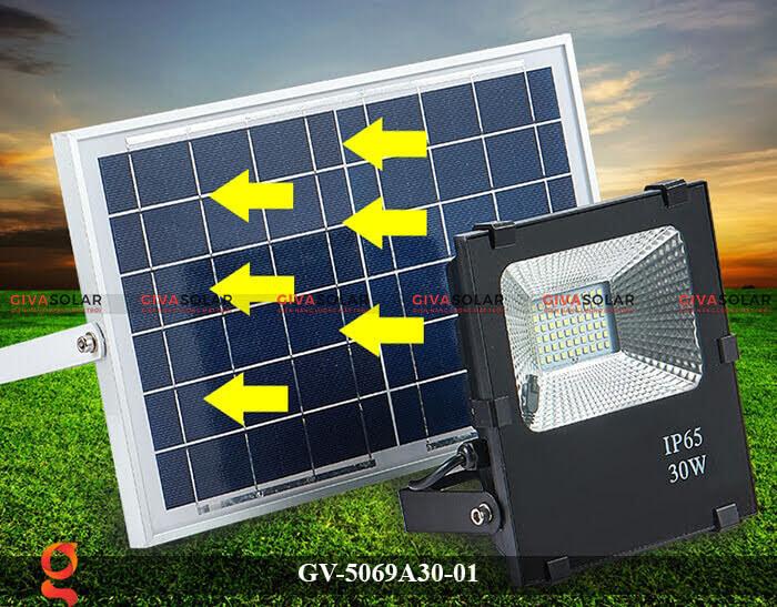 Đèn pha năng lượng mặt trời cao cấp GV-5069A30-01 2