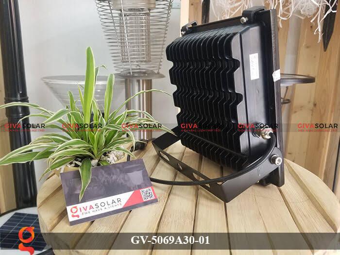 Đèn pha năng lượng mặt trời cao cấp GV-5069A30-01 5
