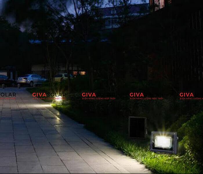 Hiểu thêm về đèn pha năng lượng mặt trời