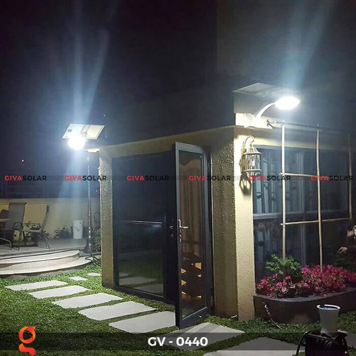 Đèn chiếu sáng đường năng lượng mặt trời GV-0440 3