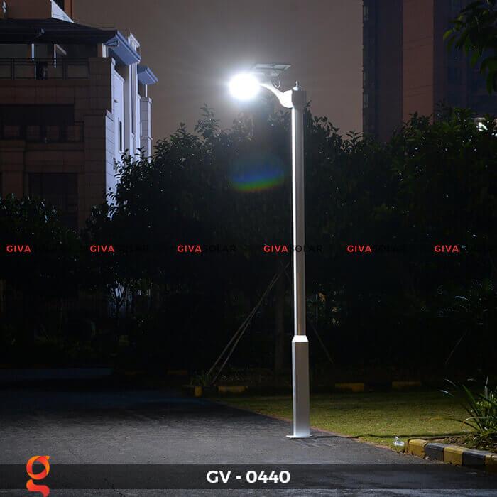 Đèn chiếu sáng đường năng lượng mặt trời GV-0440 5