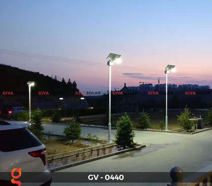 Đèn chiếu sáng đường năng lượng mặt trời GV-0440 7