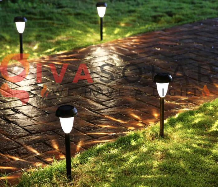 Vị trí trong sân vườn nào tốt nhất để đặt đèn năng lượng mặt trời?