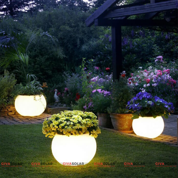 ưu nhược điểm đèn sân vườn năng lượng mặt trời 2