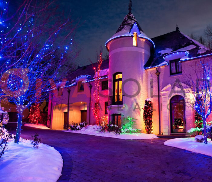 Decorating your home with Christmas lights