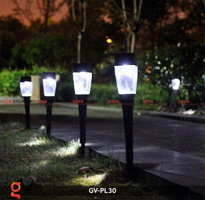 Đèn cắm cỏ năng lượng mặt trời GV-PL30 1