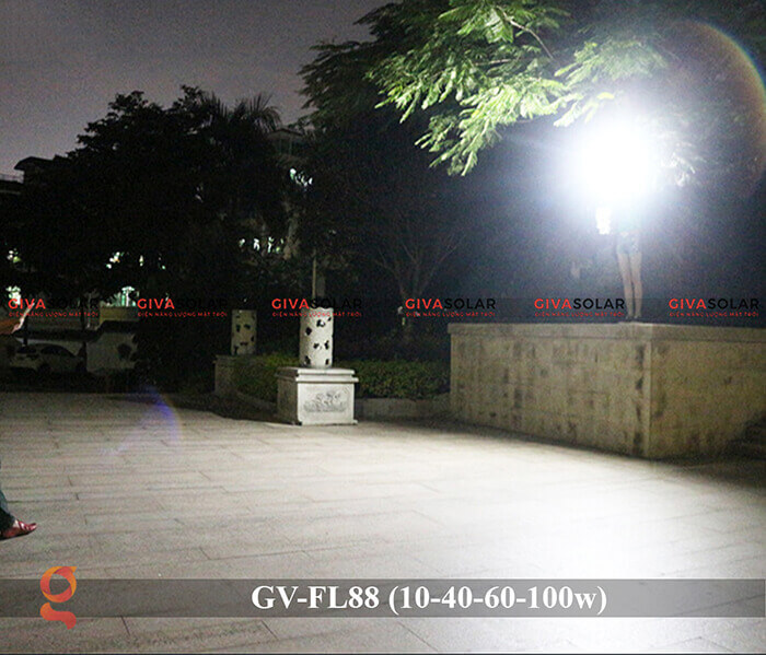 Đèn pha Led năng lượng mặt trời GV-FL88 15