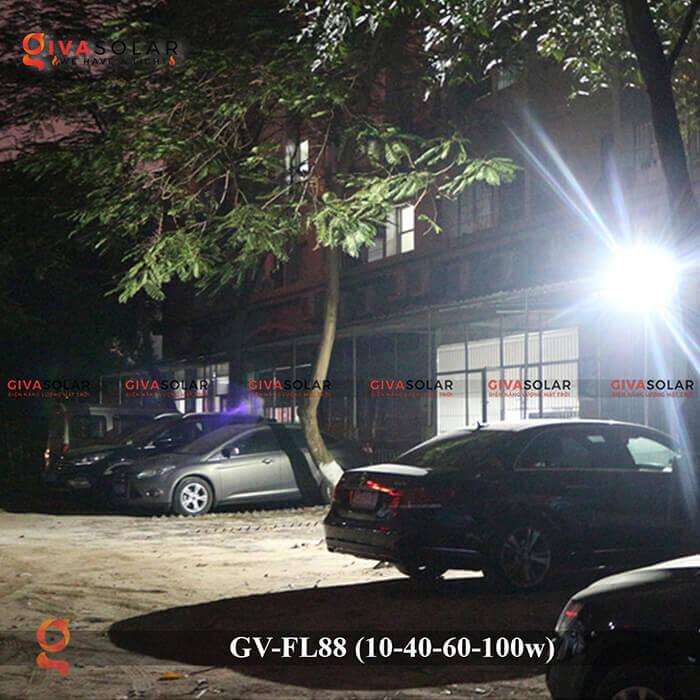 Đèn pha Led năng lượng mặt trời GV-FL88 18