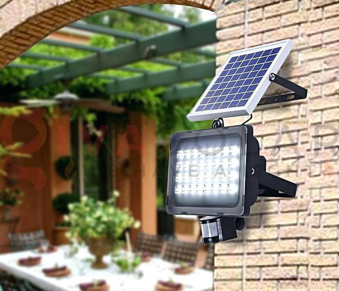 Hướng dẫn sử dụng đèn pha LED năng lượng mặt trời