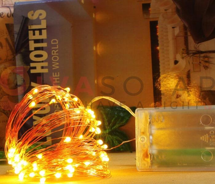 Hướng dẫn treo đèn trang trí Noel xung quanh cửa sổ 5