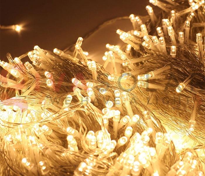 Hướng dẫn treo đèn trang trí Noel xung quanh cửa sổ 6