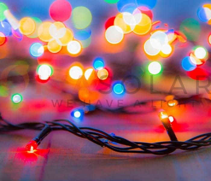 Hướng dẫn treo đèn trang trí Noel xung quanh cửa sổ 7
