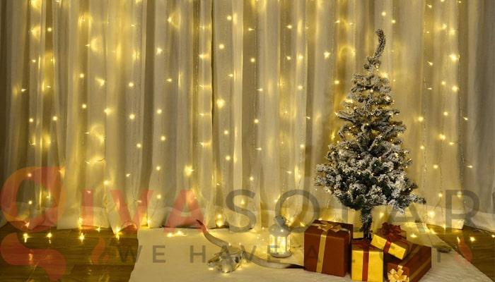 Hướng dẫn treo đèn trang trí Noel xung quanh cửa sổ