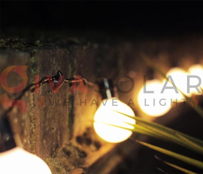 Treo đèn trang trí noel ngoài trời không cần sử dụng đinh 5