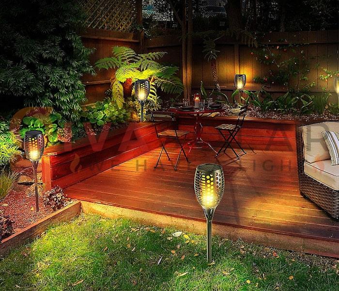 Chọn đèn năng lượng mặt trời phù hợp cho sân vườn 1