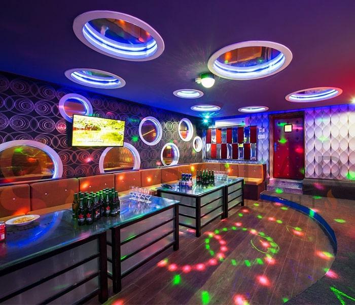 Kinh nghiệm sử dụng đèn trang trí phòng karaoke 1