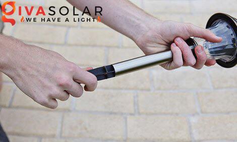 lắp đặt đèn cắm đất sân vườn năng lượng mặt trời 3