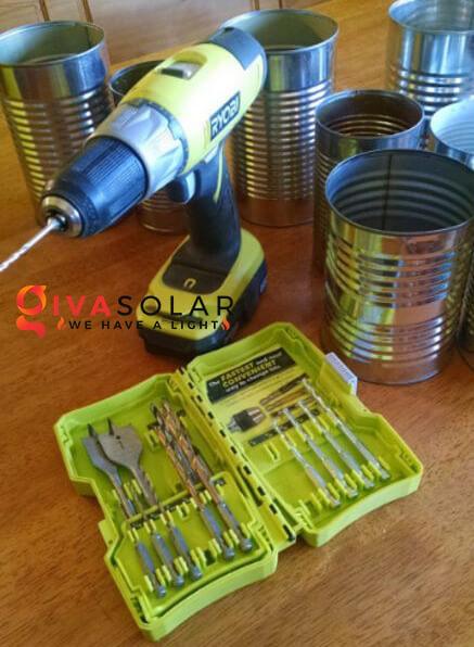 thiết kế đèn năng lượng mặt trời bằng hộp thiếc 1