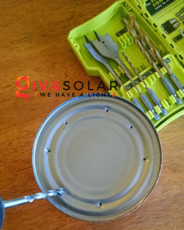thiết kế đèn năng lượng mặt trời bằng hộp thiếc 3