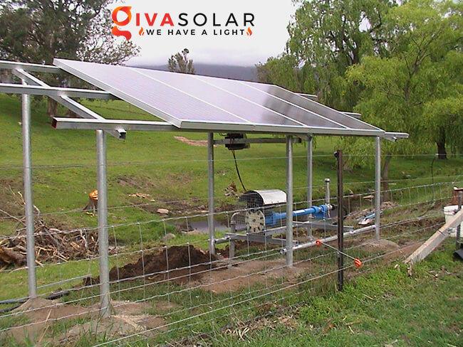 Máy bơm nước năng lượng mặt trời là gì 1