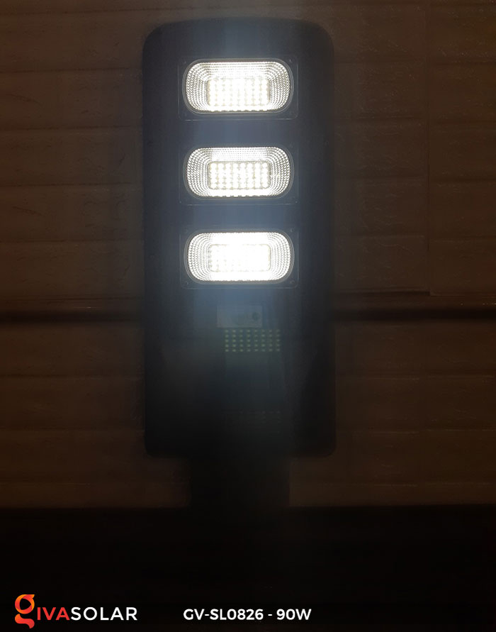 Đèn chiếu sáng đường năng lượng mặt trời GV-SL0826 9