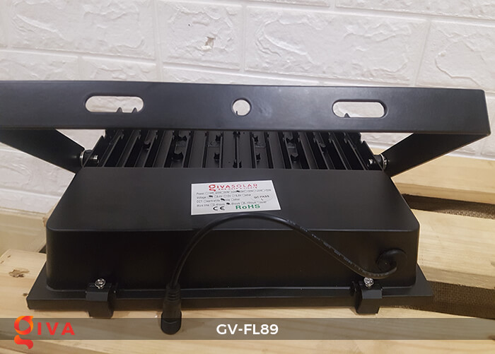 Đèn pha năng lượng mặt trời cao cấp GV-FL89 18