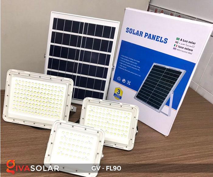 Đèn pha năng lượng mặt trời GV-FL90 1