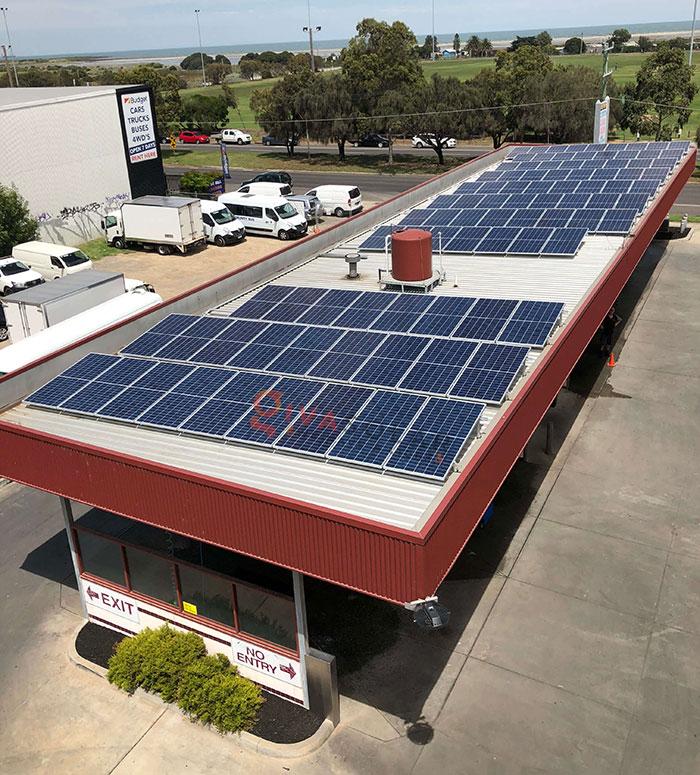lắp đặt hệ thống điện mặt trời trên mái nhà 4