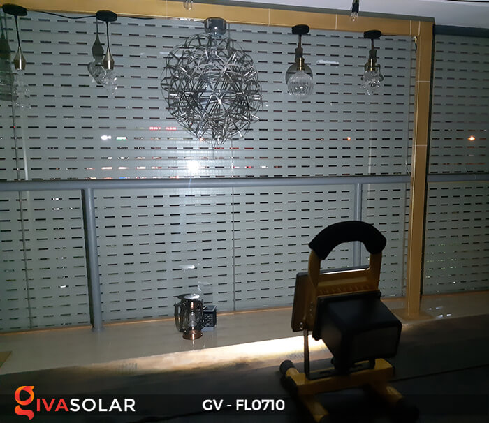 Đèn pha sạc mini 10W GV-FL0710 9