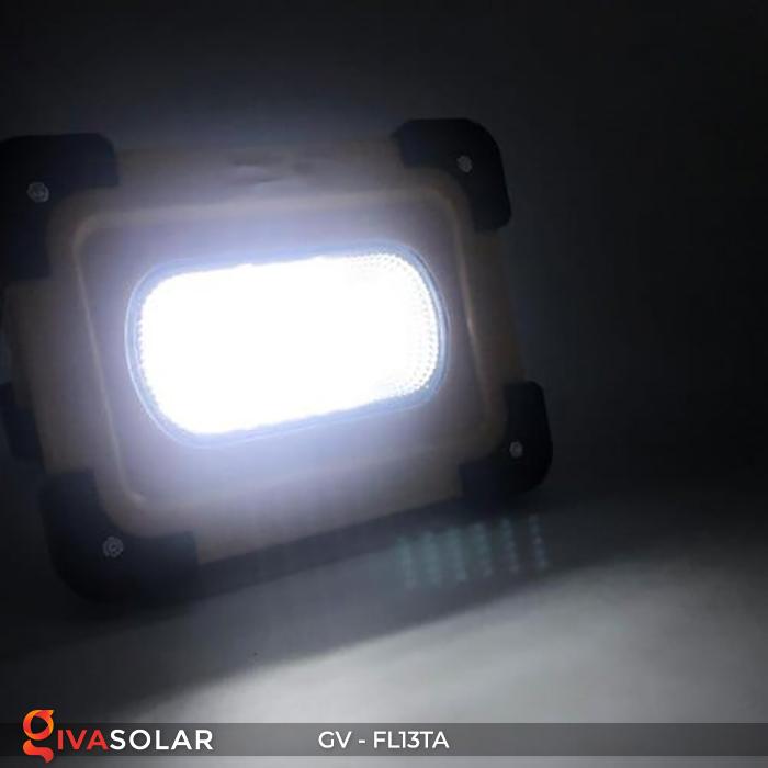 Đèn pha sạc mini năng lượng mặt trời GV-FL13TA 13