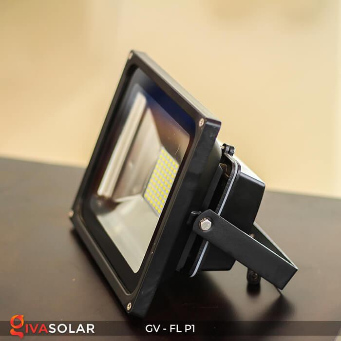 Đèn pha năng lượng mặt trời P1 3