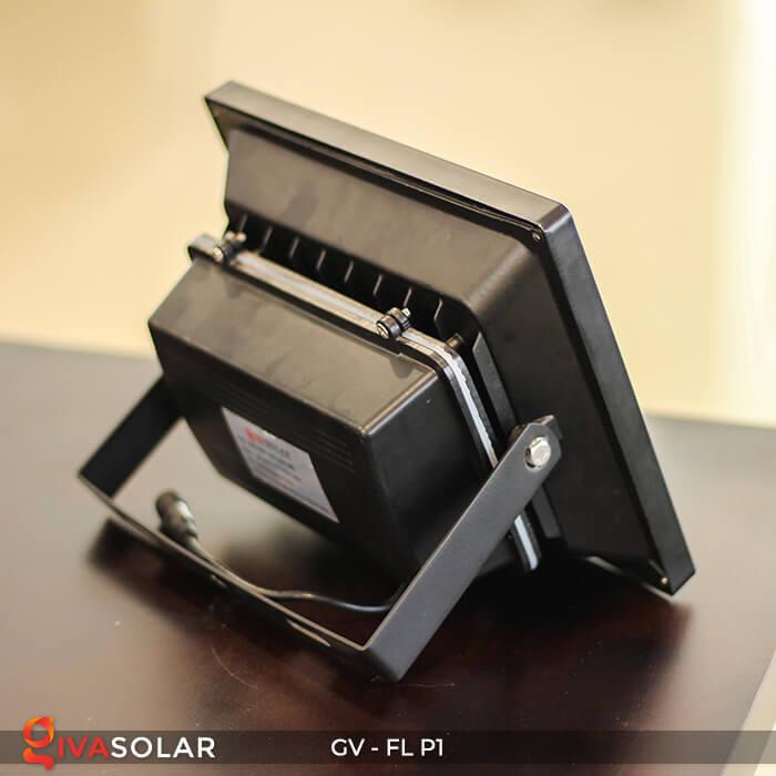 Đèn pha năng lượng mặt trời P1 7