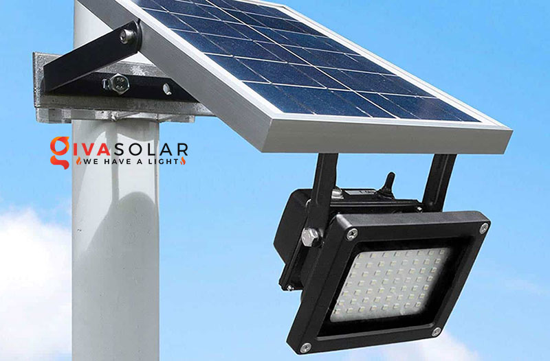 Lý do nên sử dụng đèn pha năng lượng mặt trời để bảo vệ an ninh ngoài trời