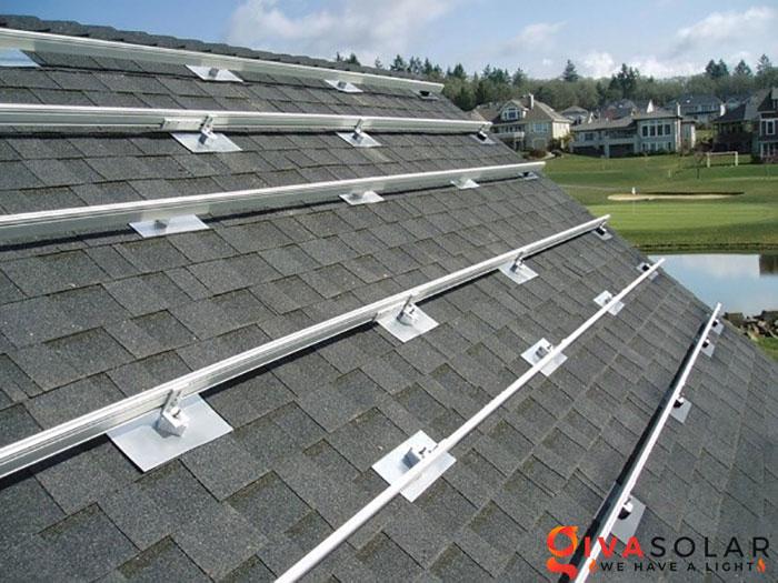 Mái nhà có thể bị hư hại bởi các tấm pin mặt trời không 3