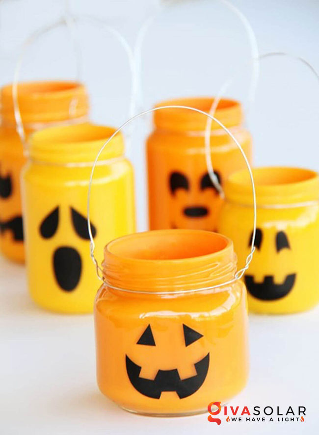 Ý tưởng trang trí Halloween độc đáo với lọ thủy tinh 4