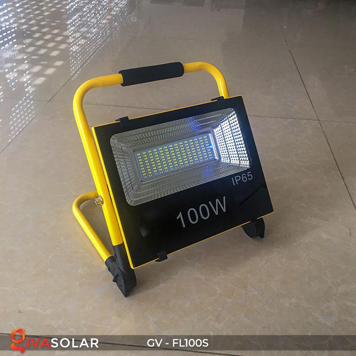Đèn pha đa năng chạy năng lượng mặt trời GV-FL100S 2