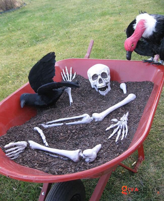 ý tưởng trang trí Halloween ngoài trời 36