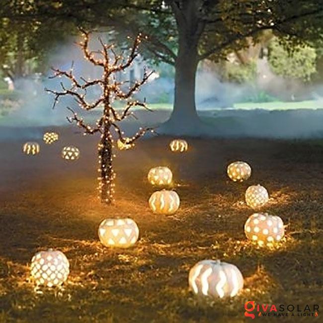 ý tưởng trang trí Halloween ngoài trời 42