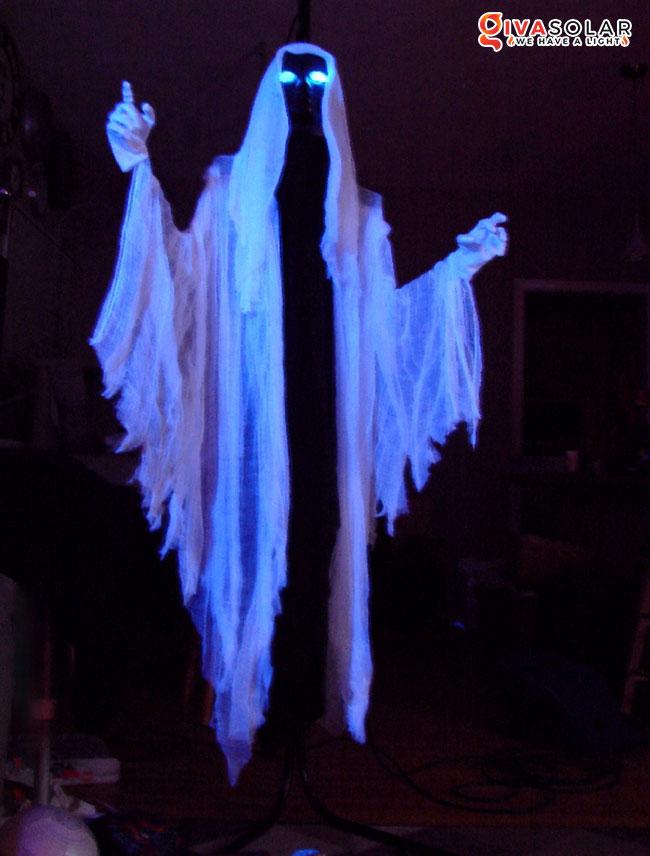 ý tưởng trang trí Halloween ngoài trời 46