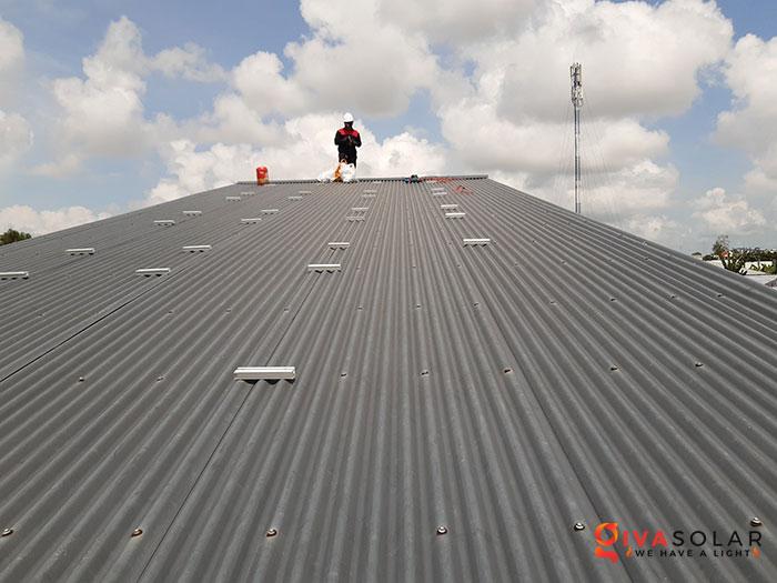 Lắp đặt hệ thống điện mặt trời 4KW mái tôn tại Cần Thơ 2