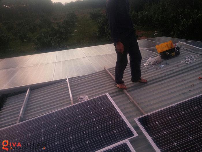 Lắp đặt hệ thống năng lượng mặt trời độc lập 5KW ở Bình Phước 1