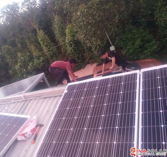 Lắp đặt hệ thống năng lượng mặt trời độc lập 5KW ở Bình Phước 7