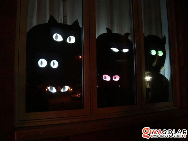 Ý tưởng trang trí cửa sổ Halloween 12