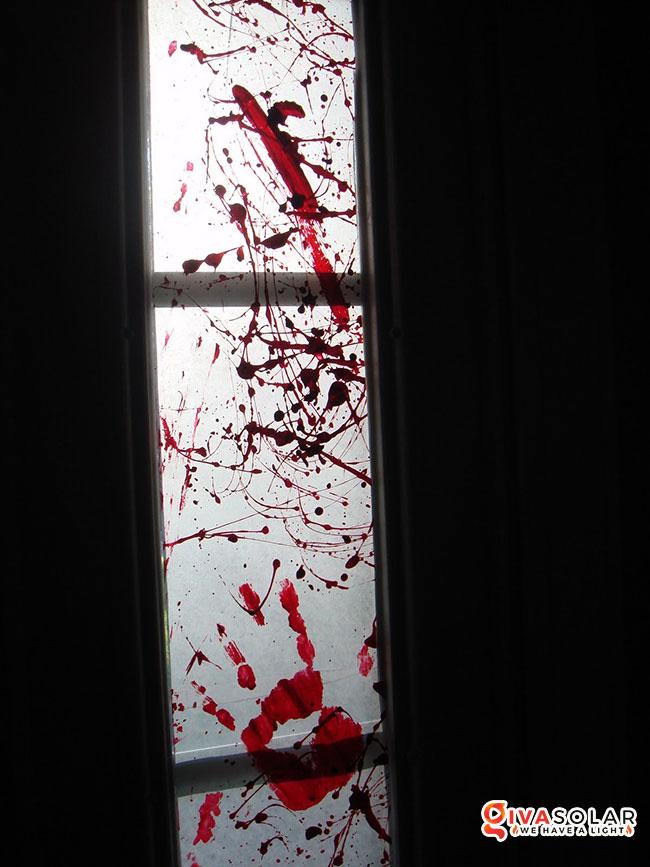 Ý tưởng trang trí cửa sổ Halloween 4