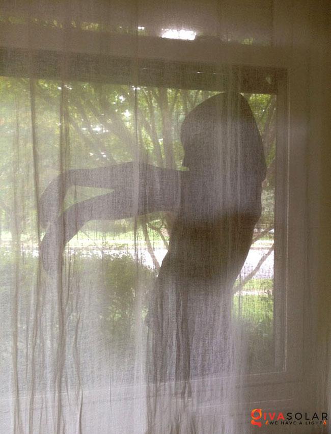 Ý tưởng trang trí cửa sổ Halloween 6