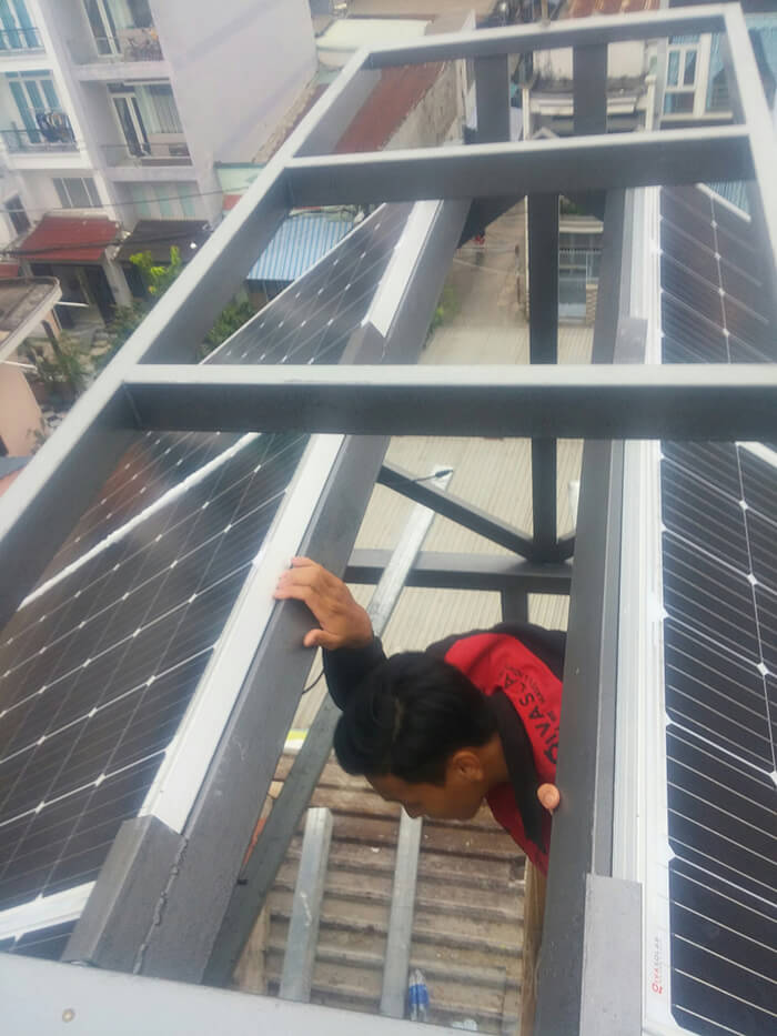Lắp đặt hoàn thành hệ thống hòa lưới 6.8KW ở Bình Tân 10