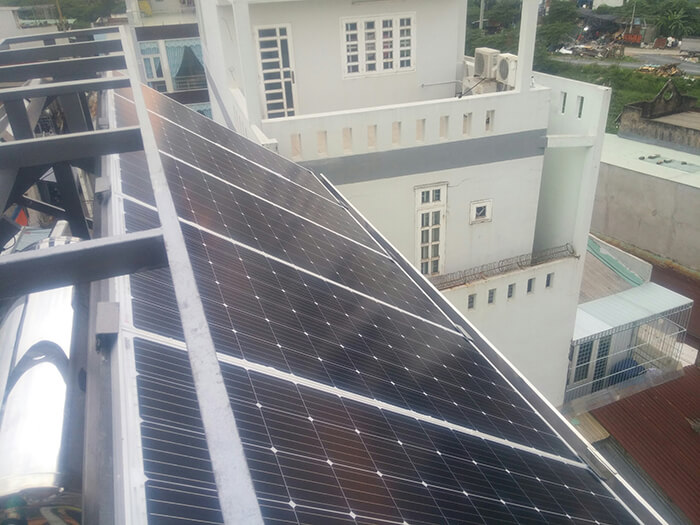 Lắp đặt hoàn thành hệ thống hòa lưới 6.8KW ở Bình Tân 12