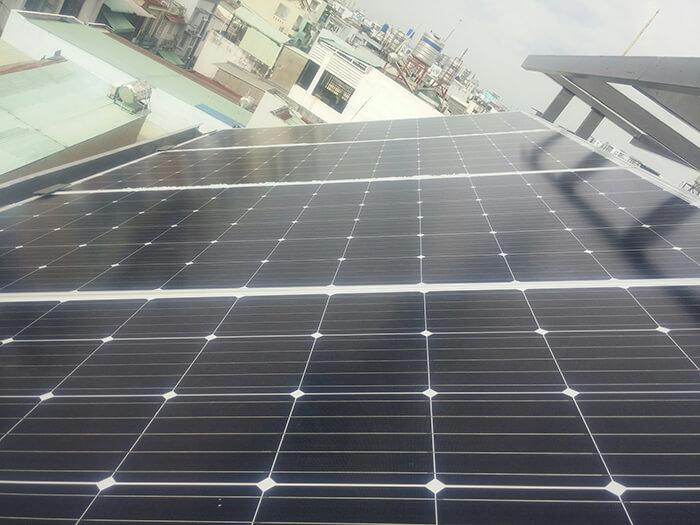Lắp đặt hoàn thành hệ thống hòa lưới 6.8KW ở Bình Tân 7
