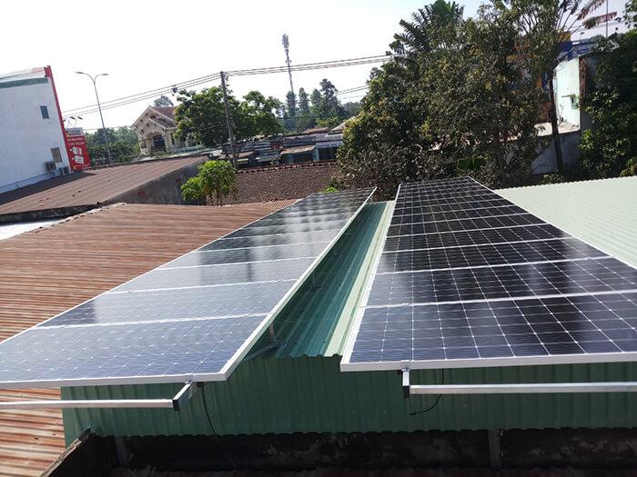 hệ thống điện mặt trời hòa lưới 3 pha 10KW ở Củ Chi 2
